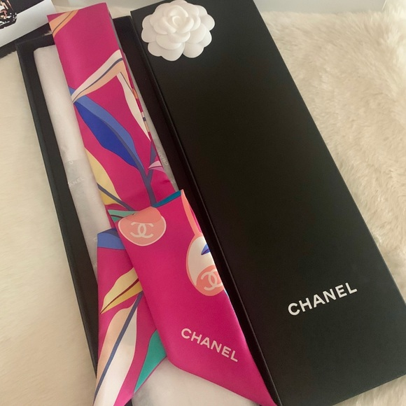 CHANEL Accessories - Chanel pink bandeau twill 💞